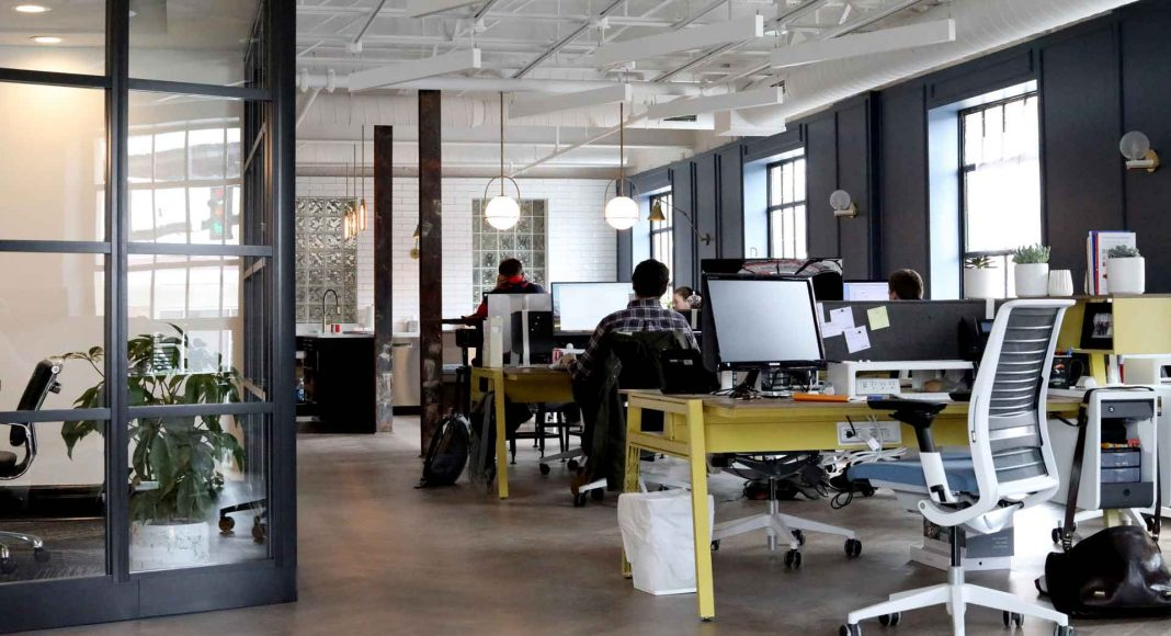 5-Ways-to-Improve-Employees'-Productivity-at-Workplace-on-lightroom-news