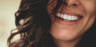 Tips-to-Whitening-Your-Teeth-during-Lockdown-on-lightroom-news