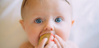 Practical-Tips-to-Prevent-Your-Baby-from-Choking-on-lightroom-news